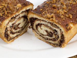 עוגת שמרים אגוזים וקינמון
