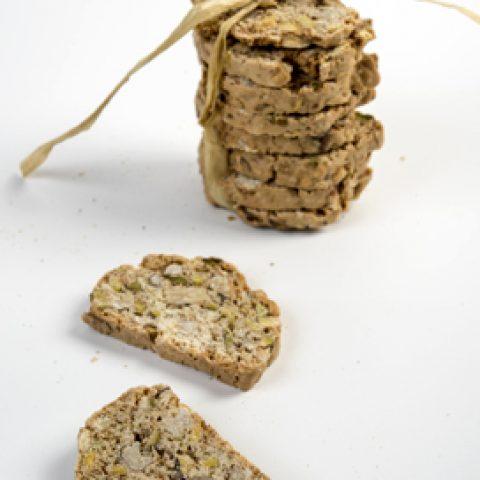 בישקוטי אגוזים ופיסטוקים